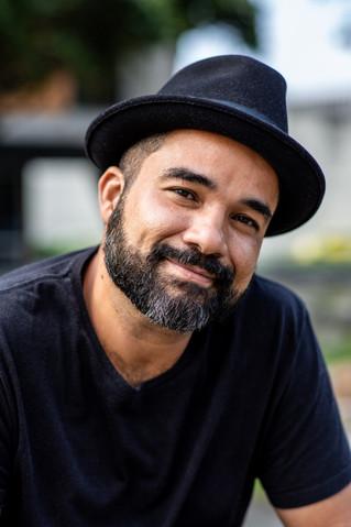 Rodrigo Santos aborda realidade urbana periférica em novo livro de contos