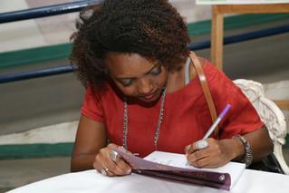Na aula inaugural do Curso de Especialização Esperança Garcia, no Piauí, Rosane Borges lançou seu li