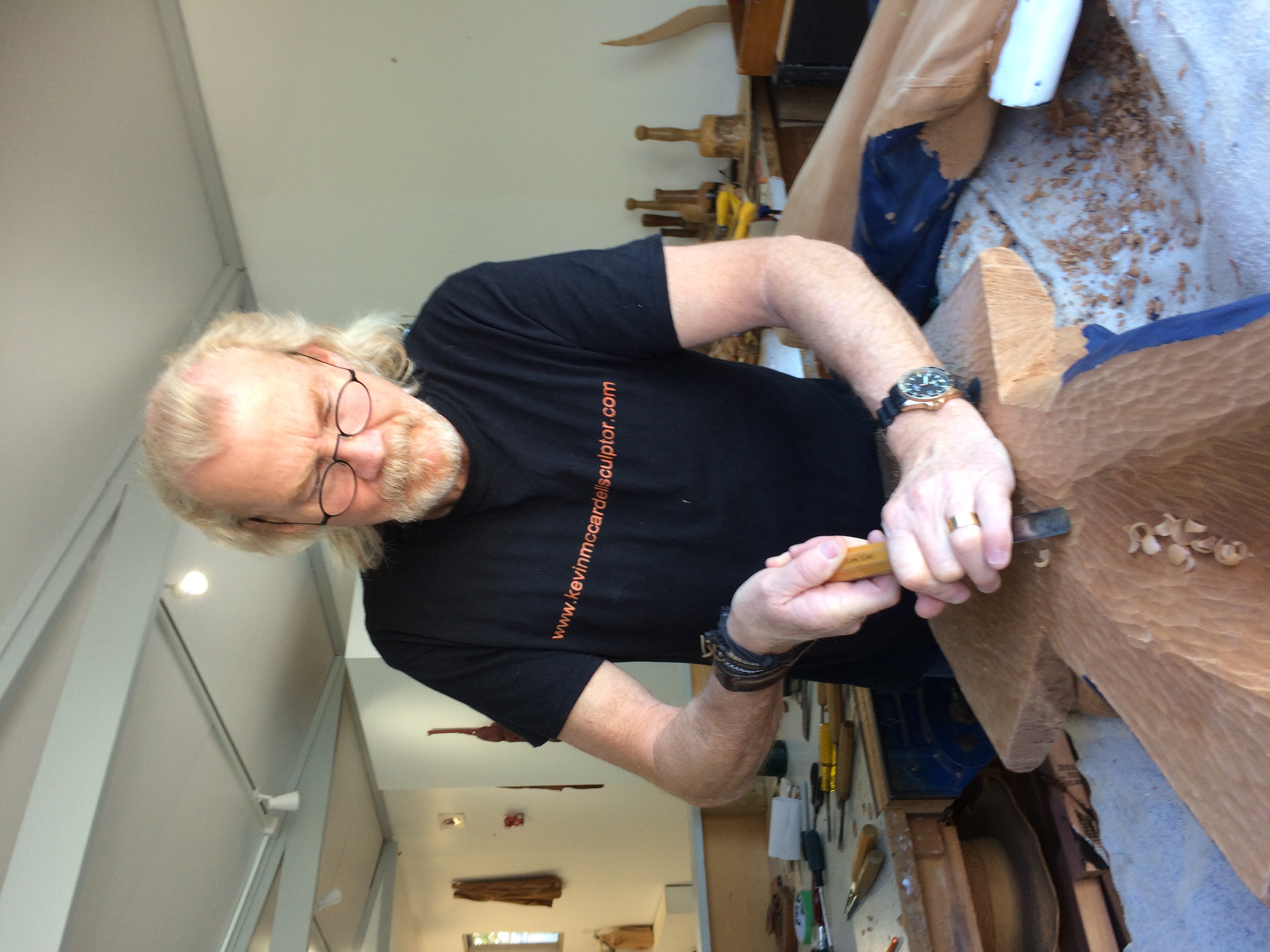 No ordinary sculptor: The man who makes wood come to life