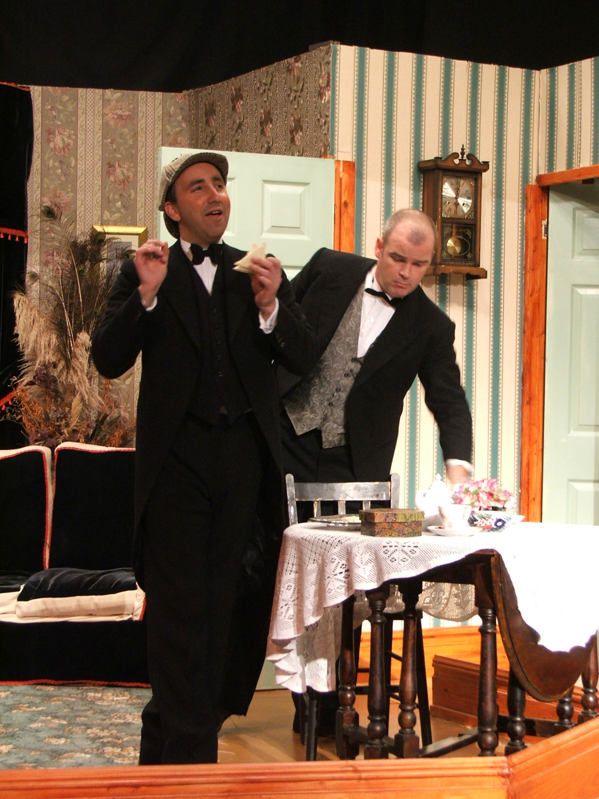 Holmes, Watson & teatime
