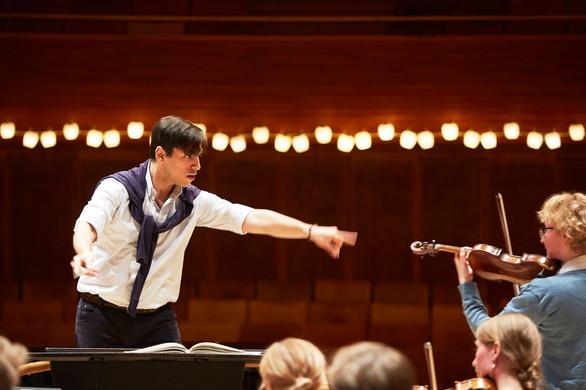 studerendeprøve_dirigent_01B7939.jpg