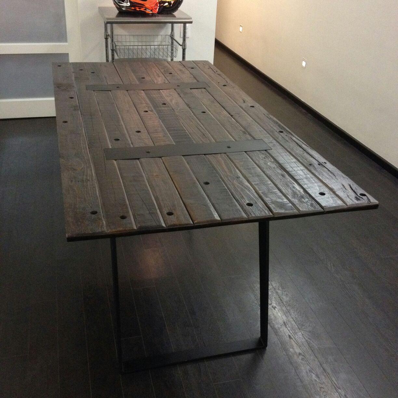 Mesa - Vintage con detalles en metal 1