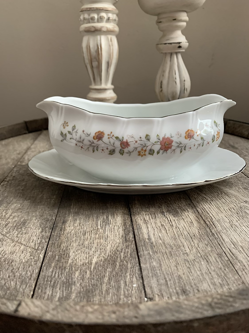 18oz Antique Bowl and Saucer