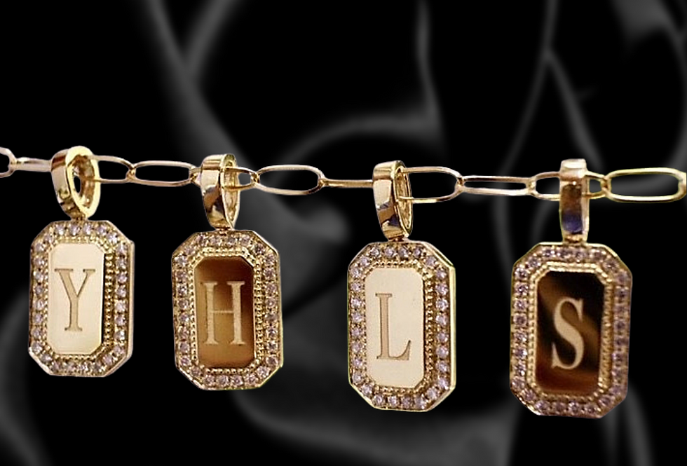 18kt solid gold initial pendant