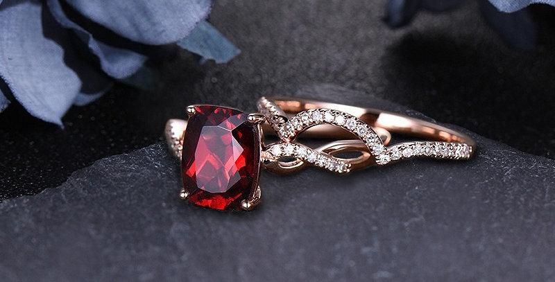 Thorn Red Garnet 14kt Rose Gold Wedding Set. Stackable.