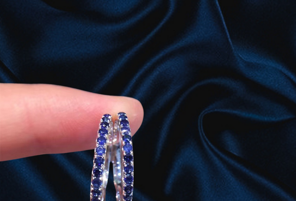Stackable Pink or Blue Sapphire Rings 18kt gold