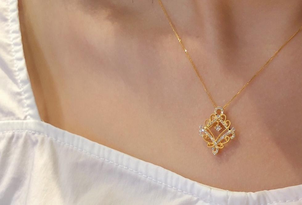 Royal 18kt yellow Gold Diamond Pendant