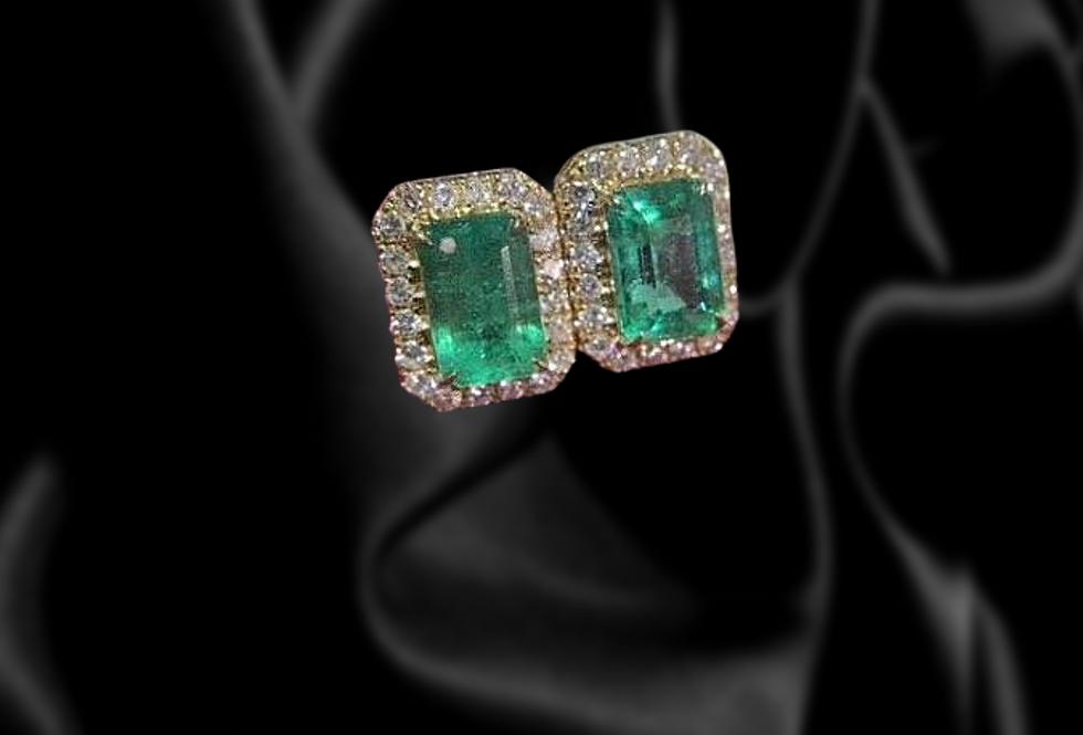 Vintage rectangle emerald stud earrings with diamond border 18kt