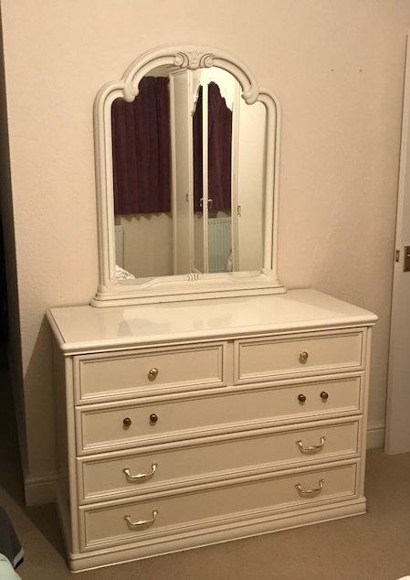Off white cream bedroom set