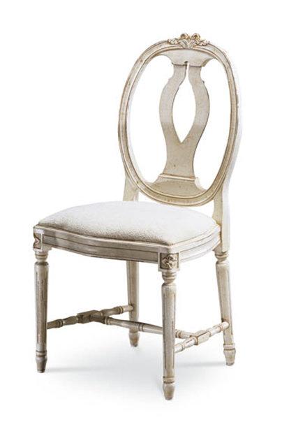 Tavia Chair
