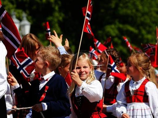 Сегодня в Норвегии праздник!