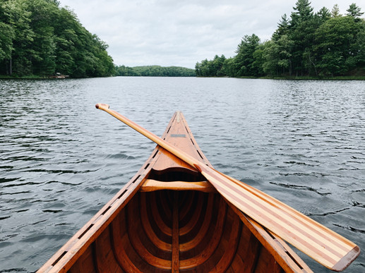 Vintage canoe on the lake