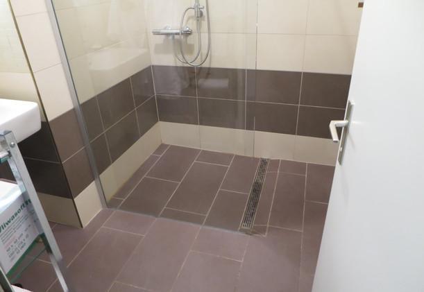 Schwarzlackenau barrierefreie Dusche