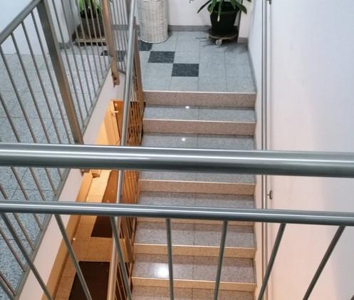 Gerasdorf Maisonette - Flur & Treppenhaus