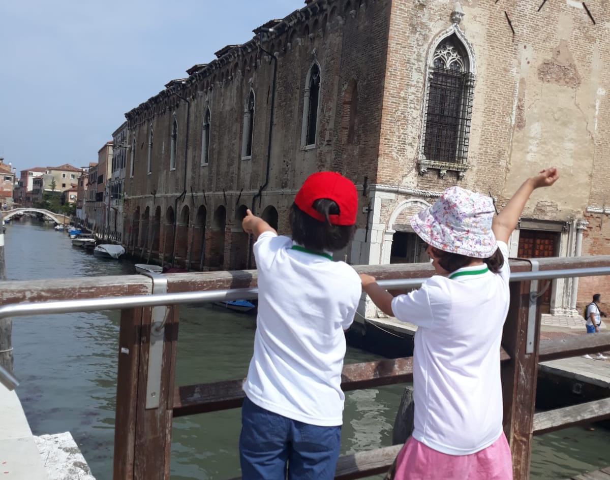 Walk and talk with our Just Kids in Venice