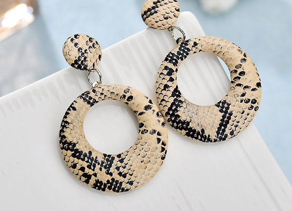CREAM SNAKE EARRINGS