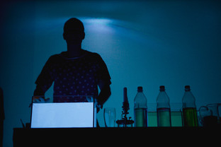 30_33 cold light - blue luminescent wate