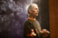 08_9 fire show Magic Andy in smoke_adamn