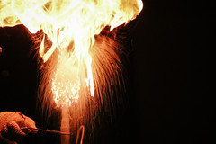 24_28 fire show flame by burning wax_ada