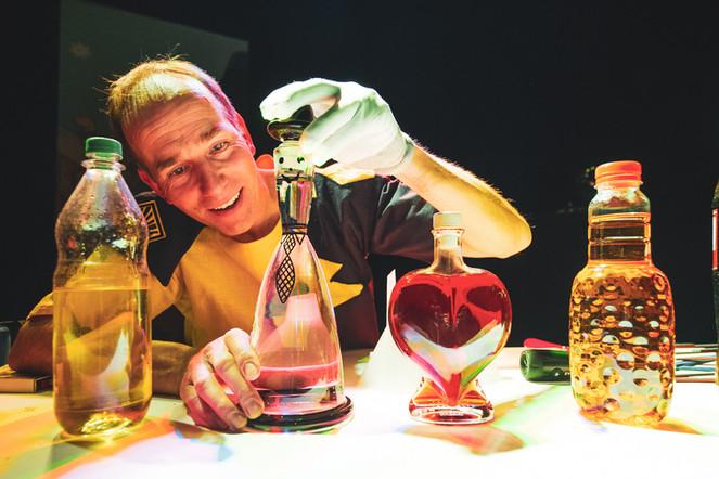 15_17 Magic Bar Parade_adamnaparty.jpg