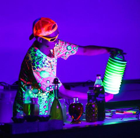 17_17 light show fluorescence 1_adamnapa