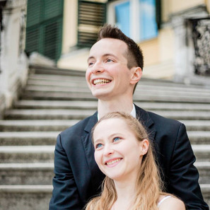 Verlobungsfotos-Wien-Sitzen
