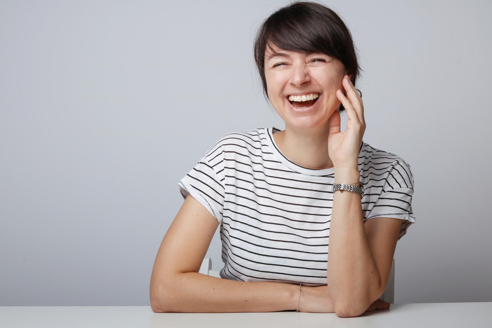 portrait-lachen-fotograf-wien-frau.jpg