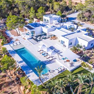 Villas & Hotels