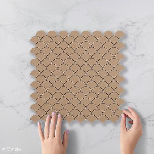 Mat beige visschub glasmozaïek 36 x 29 mm tegels