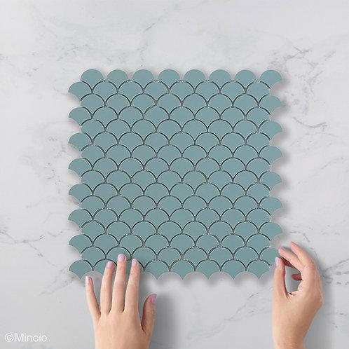Mat turquoise visschub glasmozaïek 36 x 29 mm tegels