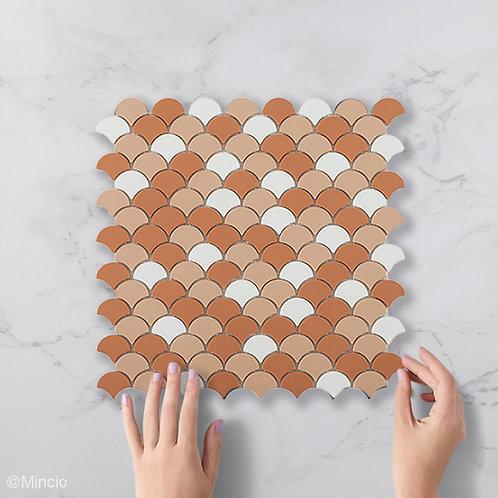 Mat witte met roest visschub glasmozaïek 36 x 29 mm tegels