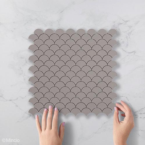 Mat frappé visschub glasmozaïek 36 x 29 mm tegels