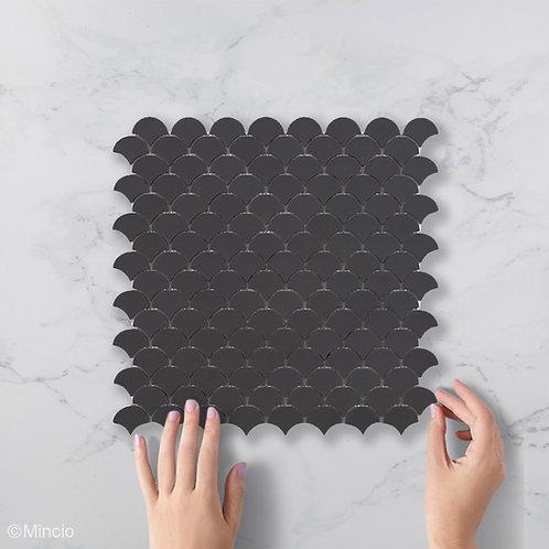 Mat donker grijze visschub glasmozaïek 36 x 29 mm tegels