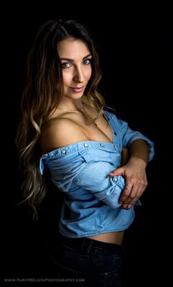model Dina