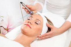 lokale dynamische Mikromassage LDM Ultraschall nadelfreie Mesotherapie Massage Sonoskin Hautunreinheiten beseitigen Skinova