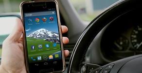 Neues Gesetz: Keine Benutzung von Kommunikationsgeräten am Steuer