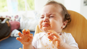 IS MY BABY FUSSY DUE TO SLEEP STRUGGLES OR EXPERIENCING SLEEP STRUGGLES DUE FUSSINESS?