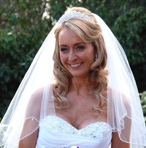 Vaulty Manor Classic Bride