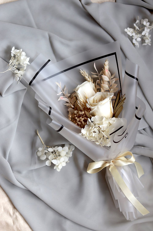 Preserved Bouquet in Classic White