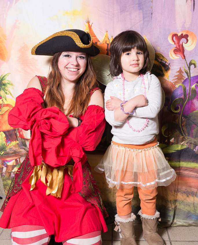Pirate character appearance from Earth Fairy Entertainment, adventure club, childrens activities, party planning, kids fun Portland Hillsboro Beaverton pose