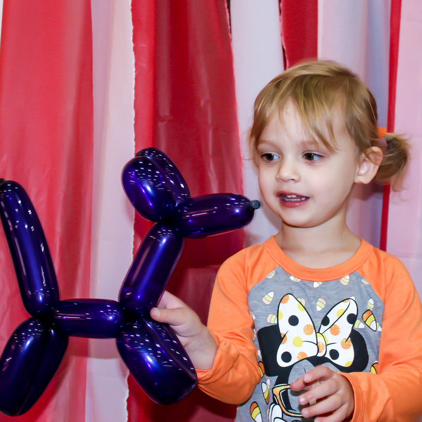 Balloon twister with Earth Fairy Entertainment in Portland Oregon