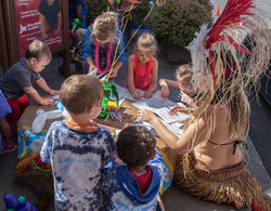 free things to do with kids in the Portland area Earth Fairy Entertainment Columbia Gorge Outlets in