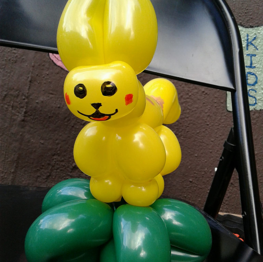 Pokemon, balloon twister in Portland Oregon with Earth Fairy Entertainment for hire, corporate entertainer, birthday party, Pikachu