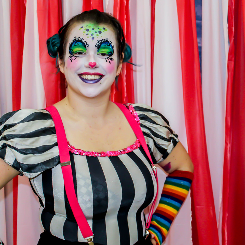 Clown with Earth Fairy Entertainment in Portland Oregon, professional coporate character  entertainer, birthday party, kids staged show
