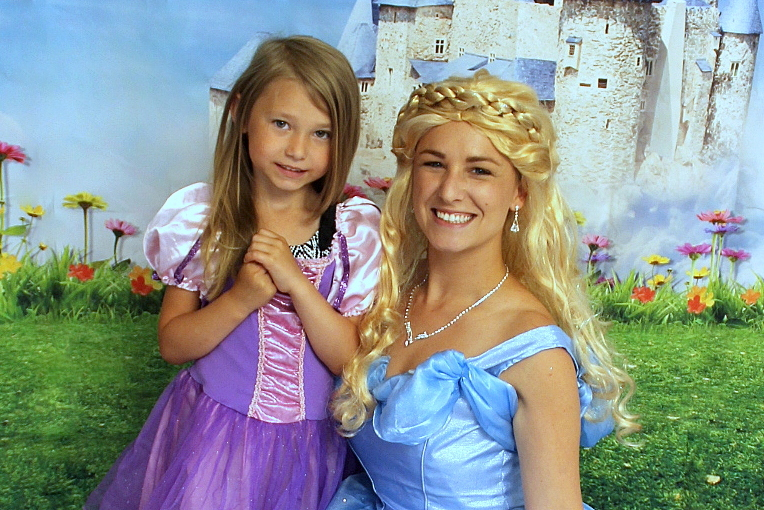 Princess Party with Earth Fairy Entertainment in Portland Oregon, Cinderella look alike, butterfly, birthday party,  costume character, corporate entertainer, Hillsboro,