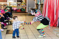 Clown with Earth Fairy Entertainment in Portland Oregon, professional coporate entertainer, Milwauki