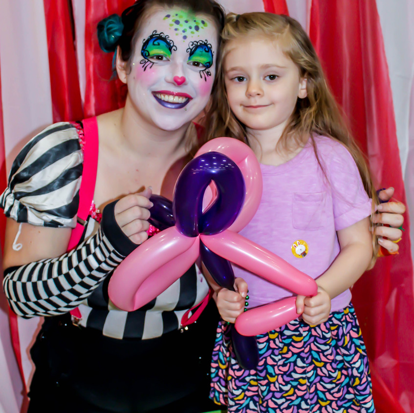 Clown with Earth Fairy Entertainment in Portland Oregon, professional coporate entertainer, childrens birthday party, kids staged show