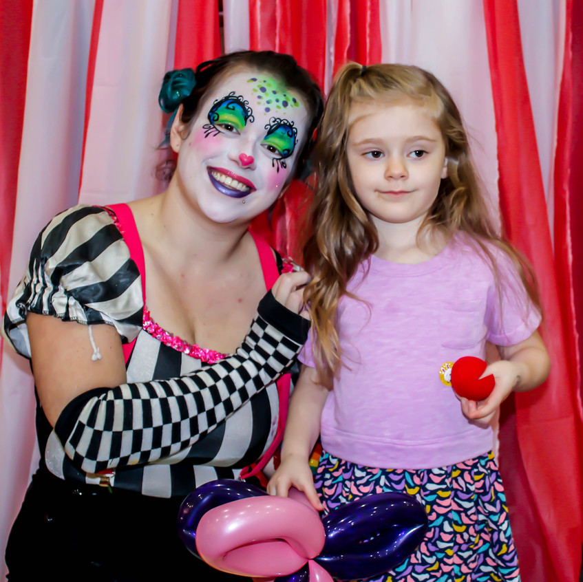 Clown with Earth Fairy Entertainment in Portland Oregon, professional coporate entertainer, birthday party, kids staged show, Salem