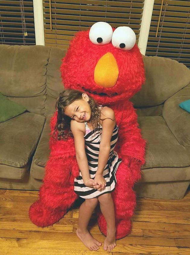 Elmo character impersonator look alike w