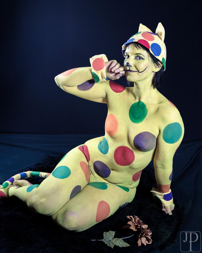 Body paint by artist Sarah Pearce with Earth Fairy Entertainment in Portland Oregon, serving Vancouv